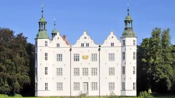 Ahrensburg Castle - Great Attractions (Germany)