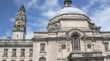 Cardiff City Hall - Great Attractions (Cardiff, United Kingdom)