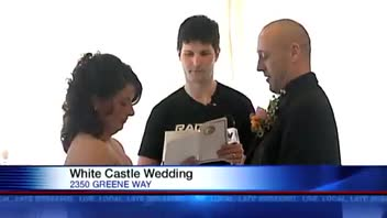 Kentucky Couple Weds at White Castle