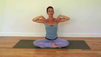 Kundalini Yoga - Dynamic Seated Twist - Women's Fitness