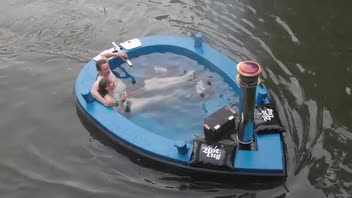 HotTug Is a Blissful Mix of Boat and Hot Tub