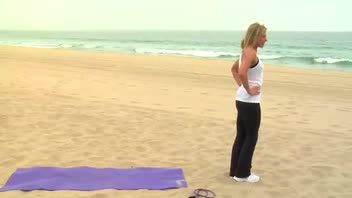 30 Minute Beach Workout - Women's Fitness