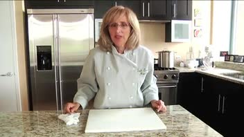 Kitchen Tips: How to Prevent Cutting Board from Moving