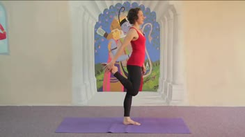 Yoga - Dancer Pose Easy Variation - Women's Fitness