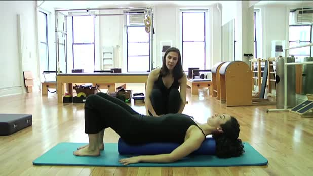 Pilates Lower Lift Leg on the Roller - Women's Fitness