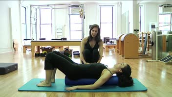 Pilates Scissors on the Roller - Women's Fitness