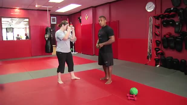 Self-Defense Workout: Knee Strike - Women's Fitness