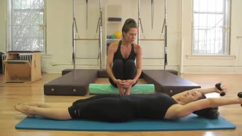 Pilates: Roll Up - Women's Fitness