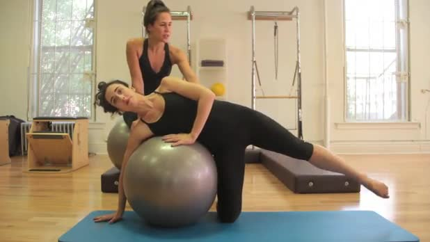 Pilates: Side Kicks - Women's Fitness