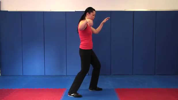 Tai Chi: Golden Pheasant Stands on One Leg - Women's Fitness