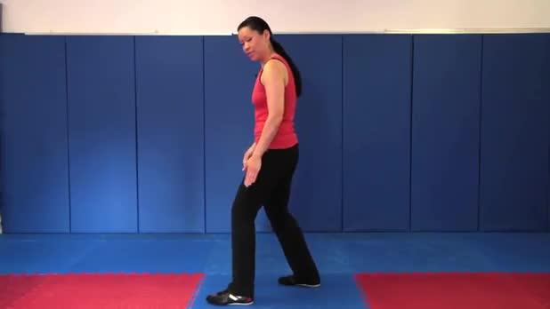 Tai Chi: Strike Ears with Fist - Women's Fitness