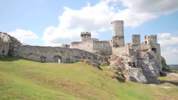 Ogrodzieniec Castle - Great Attractions (Poland)
