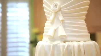 7 Beautiful Wedding Cake Ideas for 2012